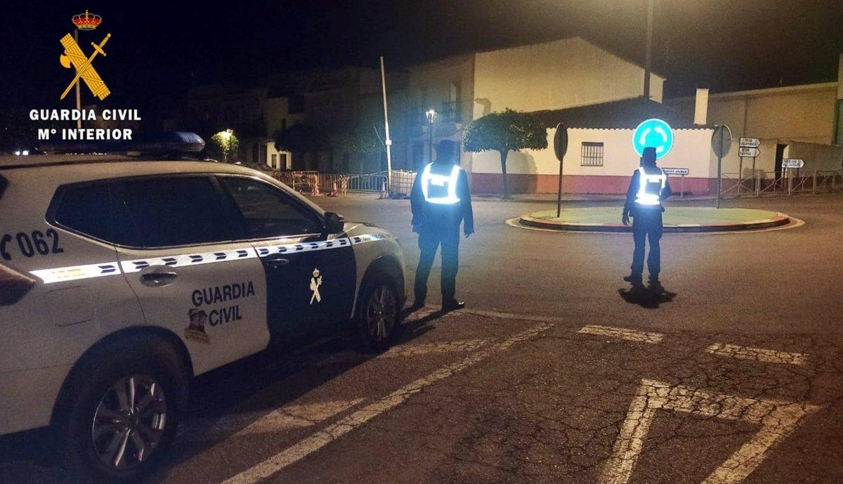 Detenidos tres vecinos de Oliva de Mérida por cometer más de 50 robos