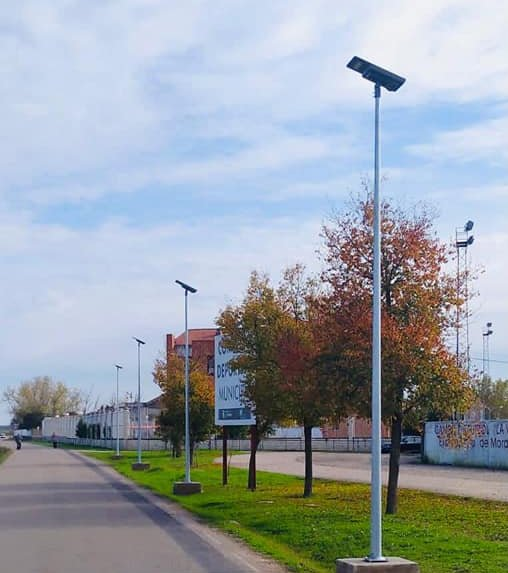 Moraleja instala luminarias solares por más de 2.700 euros