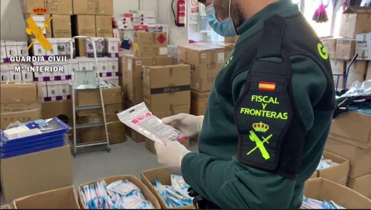 Intervenidas 25.000 mascarillas sin control de calidad en Badajoz