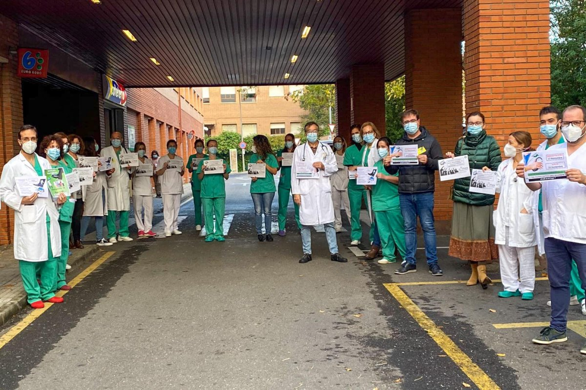 Los médicos del Hospital Ciudad Coria salen a la calle para pedir mejoras a la Junta
