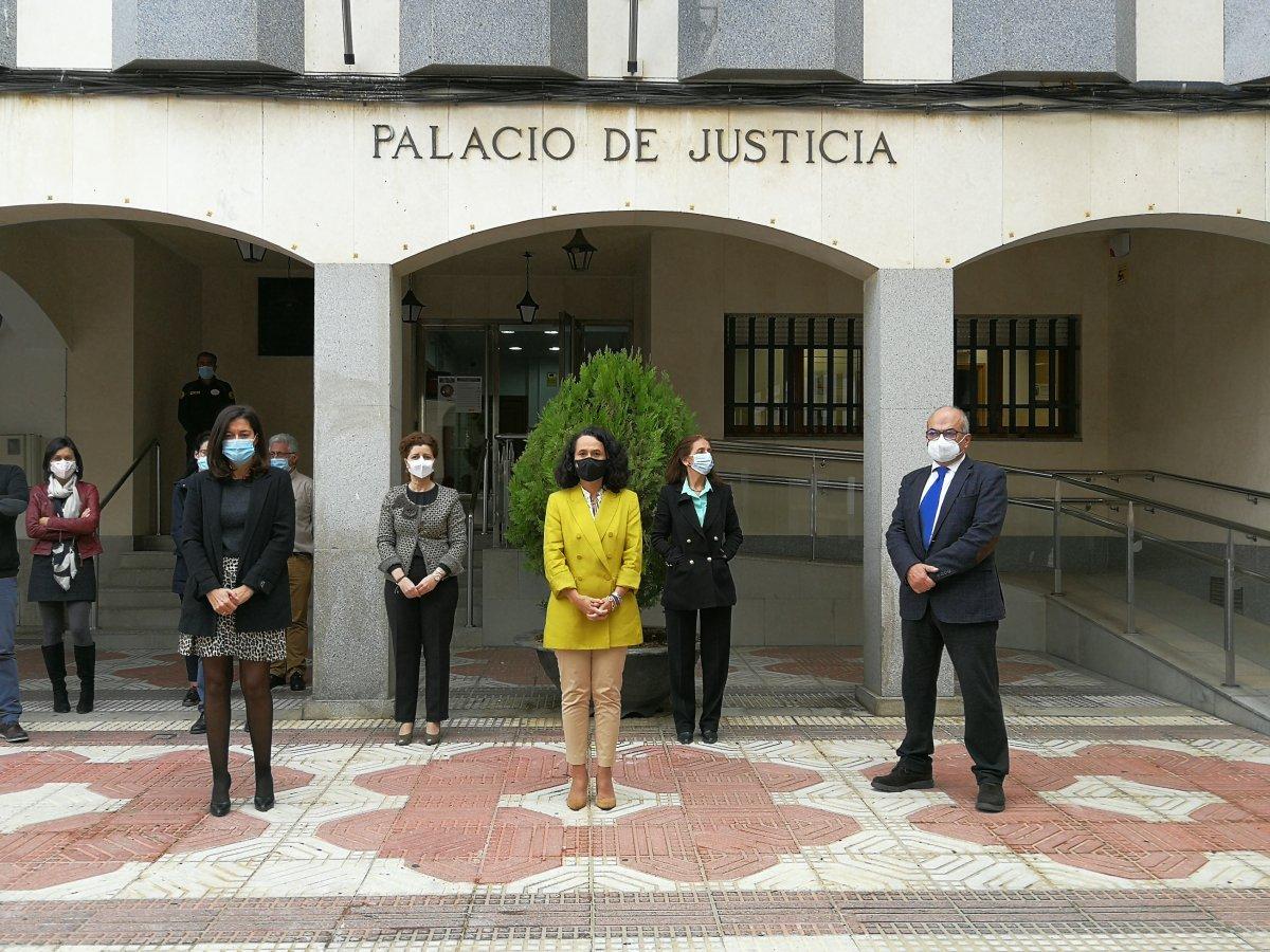 La justicia extremeña guarda un minuto de silencio por las víctimas de violencia de género