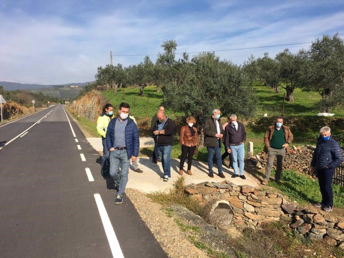 Concluyen las obras de la carretera de Marchagaz a la Ex-205 por Palomero
