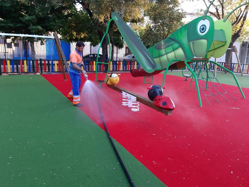 Moraleja acumula 43 contagiados y cierra las zonas de juego de parques infantiles