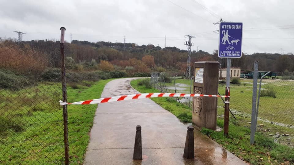 Plasencia cierra parques y paseos fluviales por el temporal