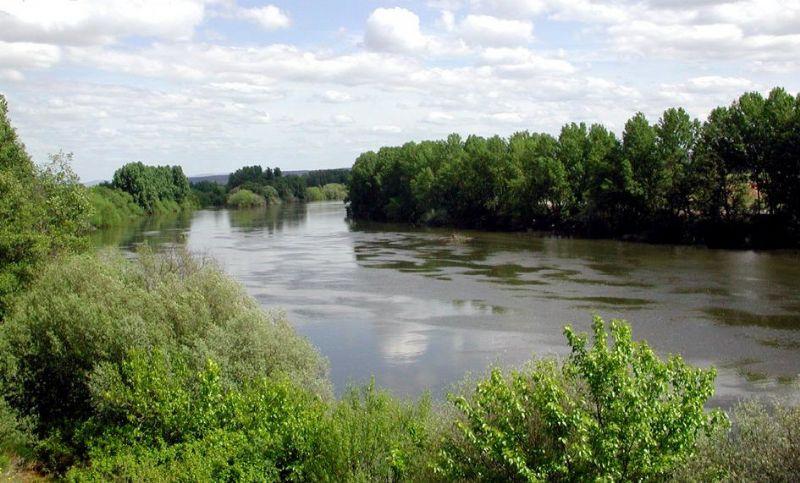 Coria presenta una enmienda a los PGE para la adecuación del río Alagón