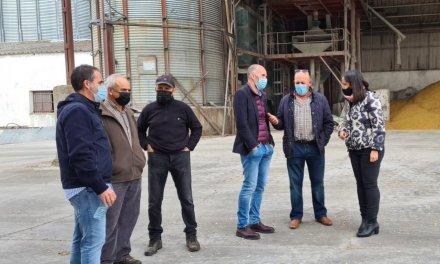 Representantes de la Junta visitan cooperativas de Moraleja para conocer sus necesidades