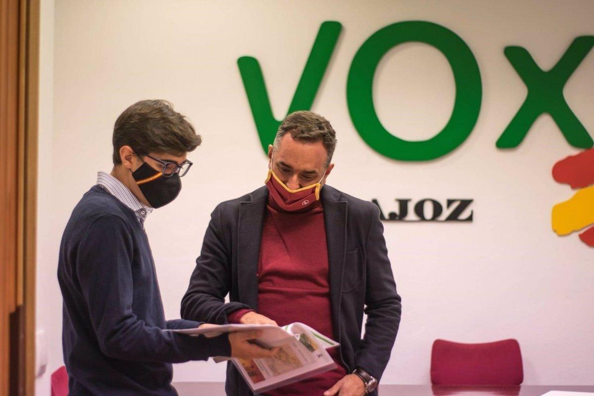 Vox pide al Ayuntamiento de Badajoz que suministre mascarillas de manera gratuita