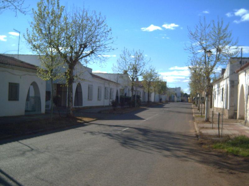 Cáceres saca a concurso la reforma  de la Plaza de España de Rincón de Ballesteros