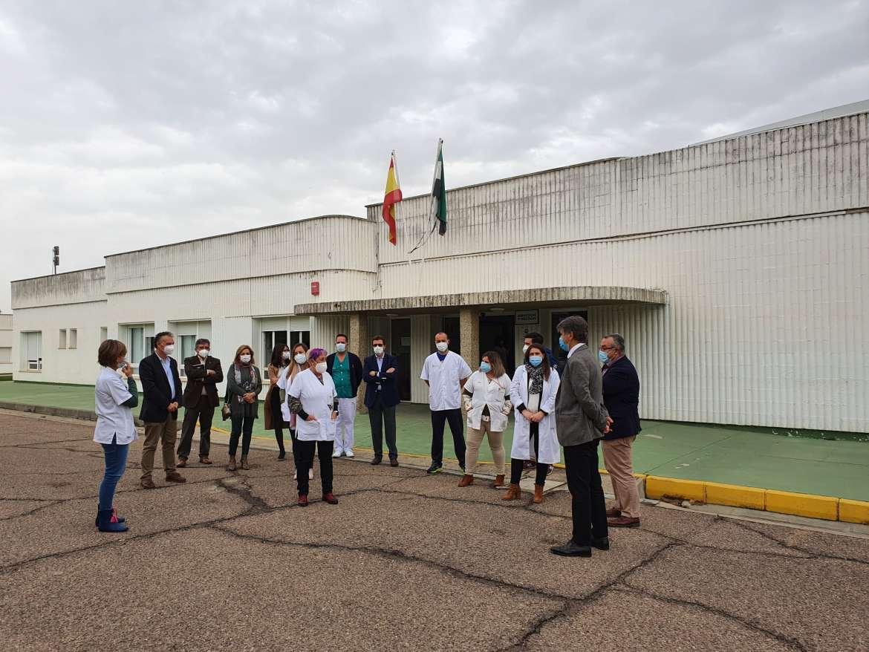 El centro Las Cruces de Don Benito aún tiene 50 casos entre los usuarios y 46 empleados contagiados