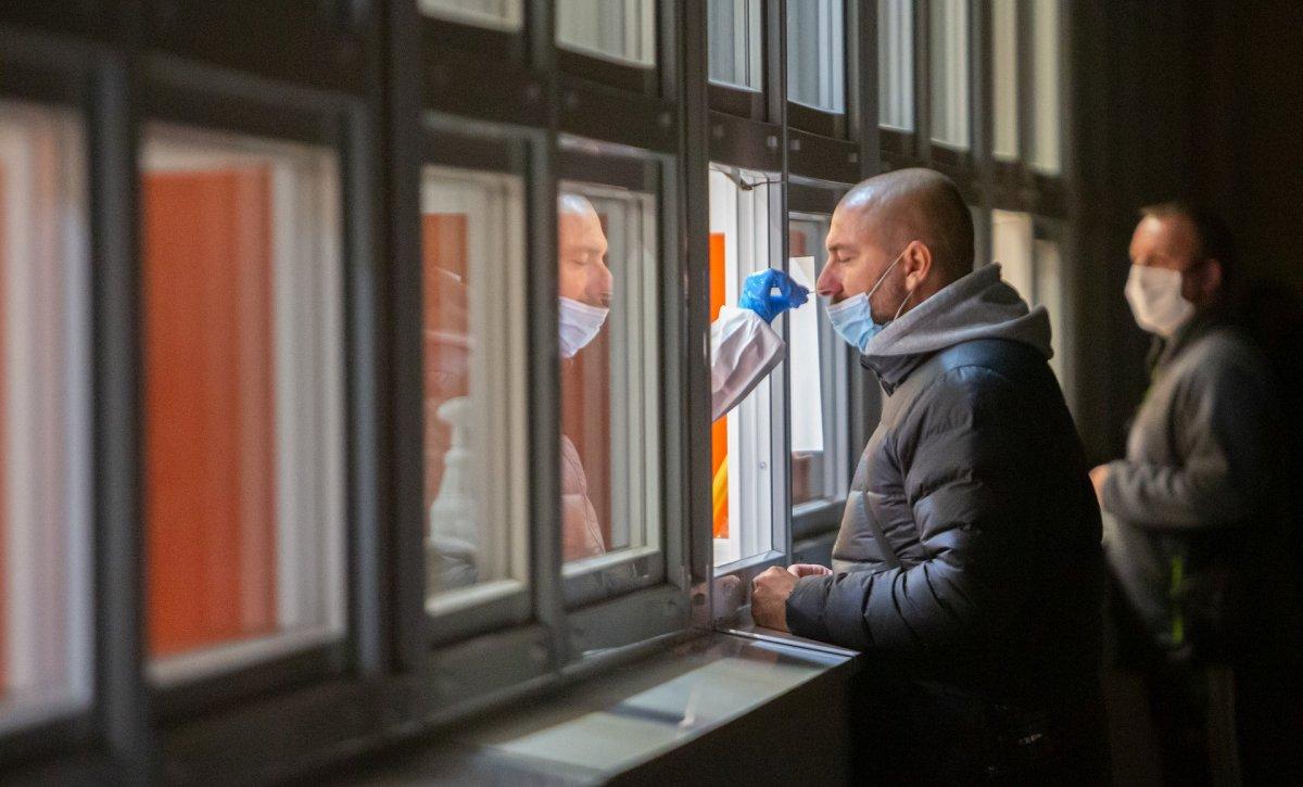 El área de Badajoz registra tres fallecidos, 4 brotes y la ciudad notifica 191 nuevos contagios