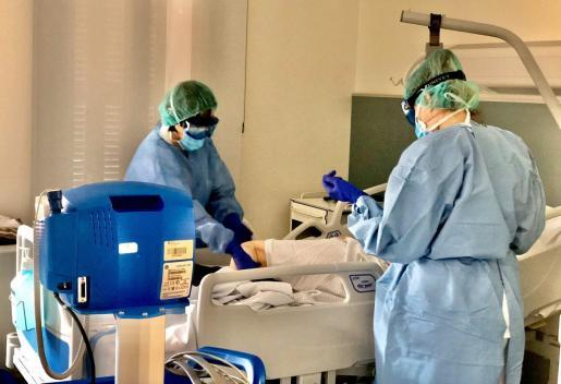 Cinco ancianos fallecen por Covid, 59 pacientes están en la UCI y la región suma 327 contagios