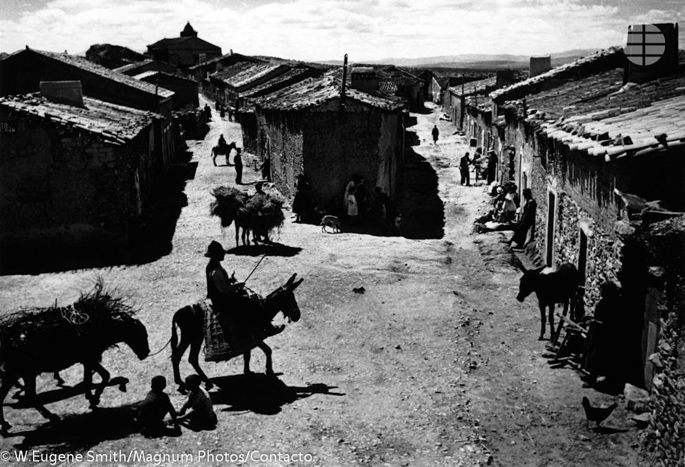 Una exposición retrocede a 1950 con las mejores fotos de Deleitosa de Eugene Smith