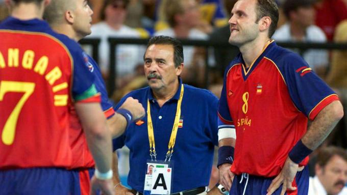 Último adiós al rey del balonmano, el emeritense Juan de Dios Román