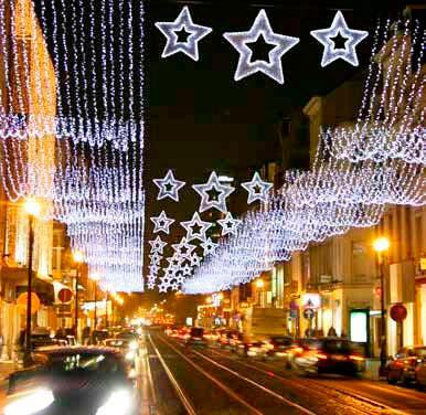 Cáceres adelanta al día 27 el encendido de las luces de Navidad para apoyar al comercio