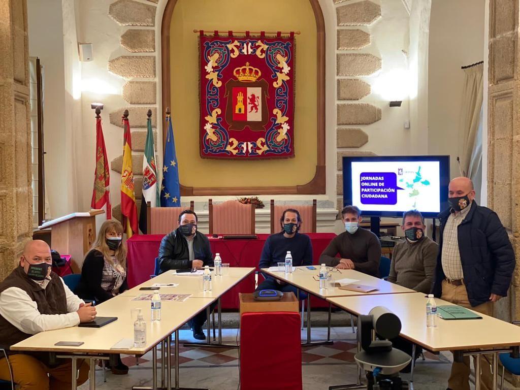 Cáceres creará un reglamento para reactivar la participación ciudadana