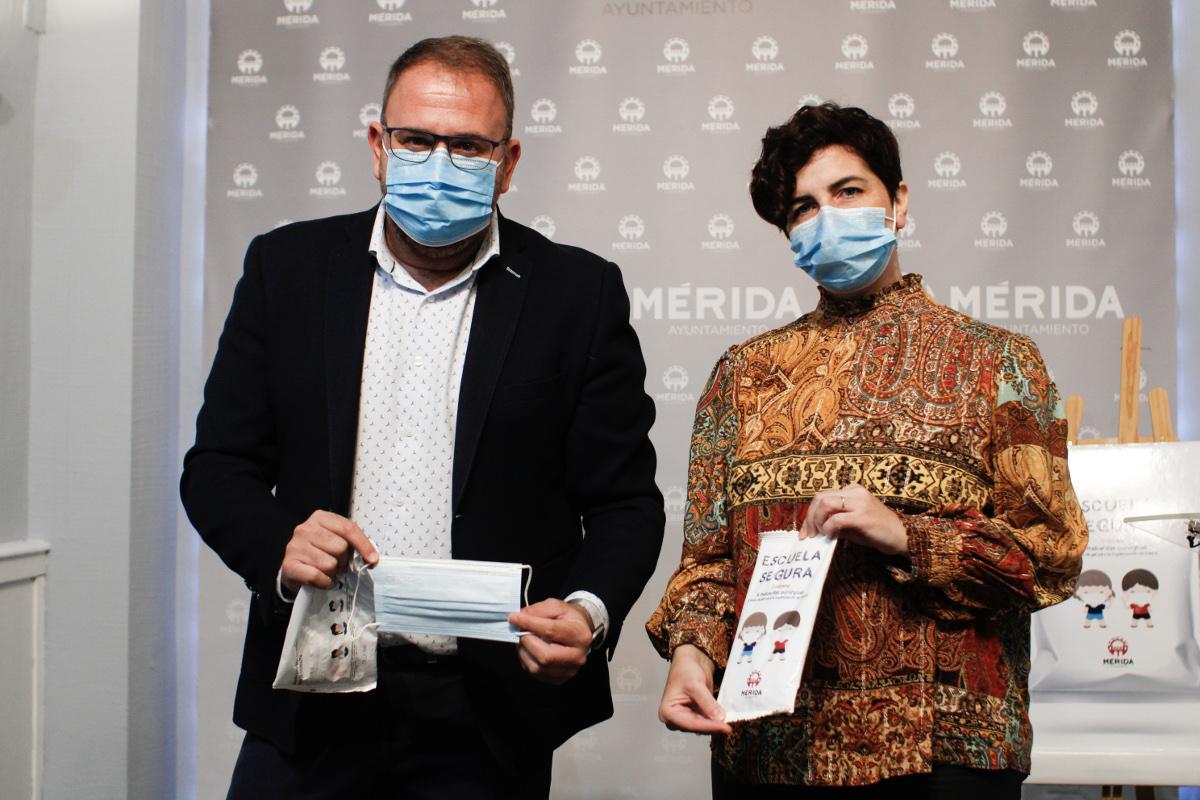Mérida distribuirá 500.000 mascarillas infantiles entre todos los escolares de la ciudad