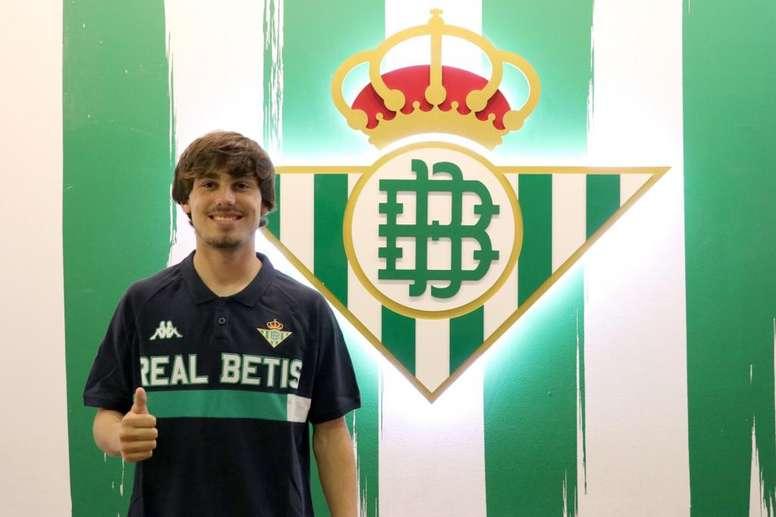 El talayuelano Rodri debuta con el Betis en primera división ante el Barcelona