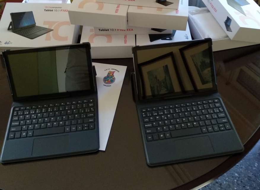 Educación reparte entre los centros más de 7.000 nuevas tabletas electrónicas