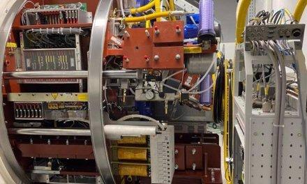 Comienza la instalación del nuevo acelerador lineal de electrones del Hospital de Mérida