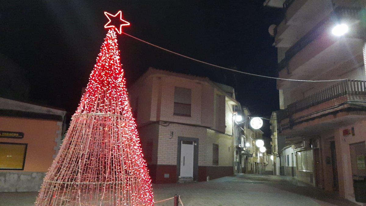 Moraleja da la bienvenida a la Navidad con el encendido navideño