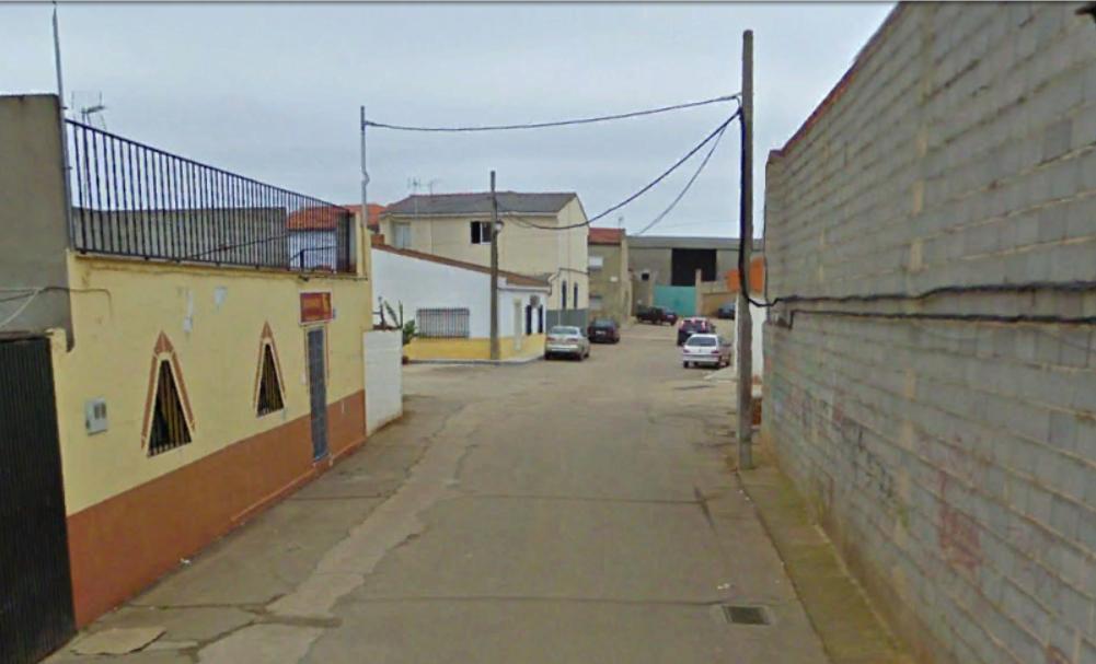 Trasladan al hospital a un hombre tras caer de un andamio en San Pedro de Mérida