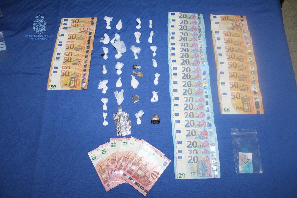 La Policía Nacional detiene a tres personas por tráfico de drogas en Badajoz