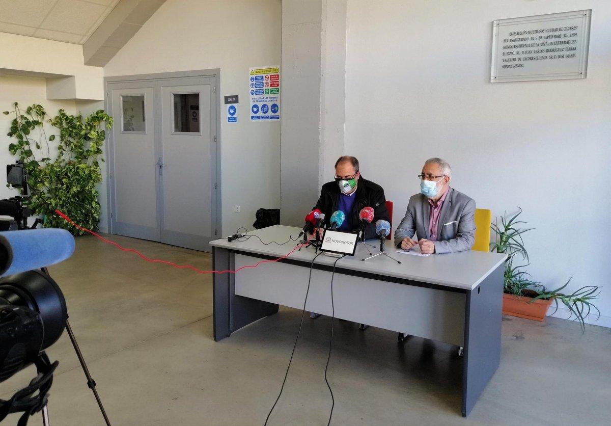 La Fundación Valhondo renueva el convenio con el Cáceres Ciudad del Baloncesto