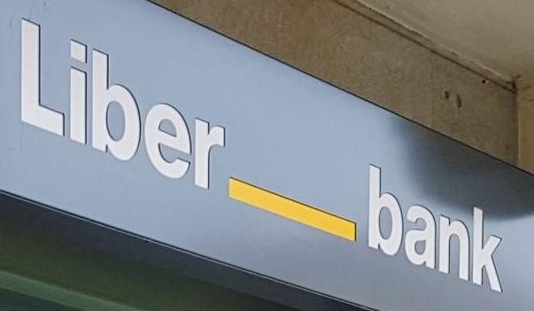 La fusión de Liberbank y Unicaja llevará al cierre de más de 400 oficinas y la pérdida de 2.000 empleos