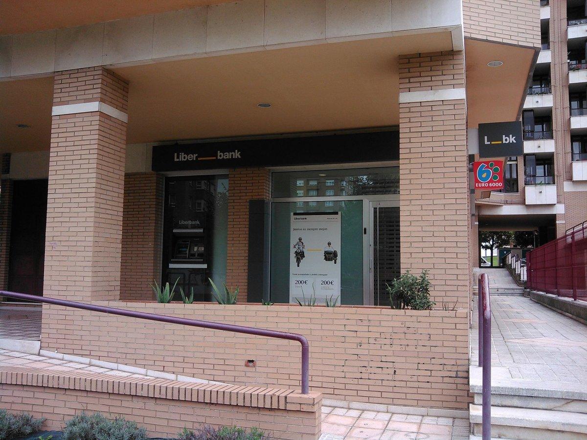 Los sindicatos confían que Liberbank y Unicaja reduzcan plantilla vía prejubilaciones y de forma voluntaria