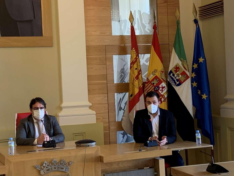 La Junta decide cerrar Fuente del Maestre y Calamonte y reducir los aforos en Cáceres
