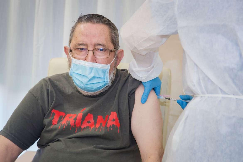 La Covid-19 obligará a retrasar la vacunación en 20 residencias de Extremadura