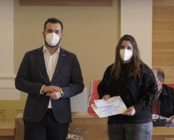 Alumnas del IES El Brocense ganan el concurso por la igualdad y contra la violencia