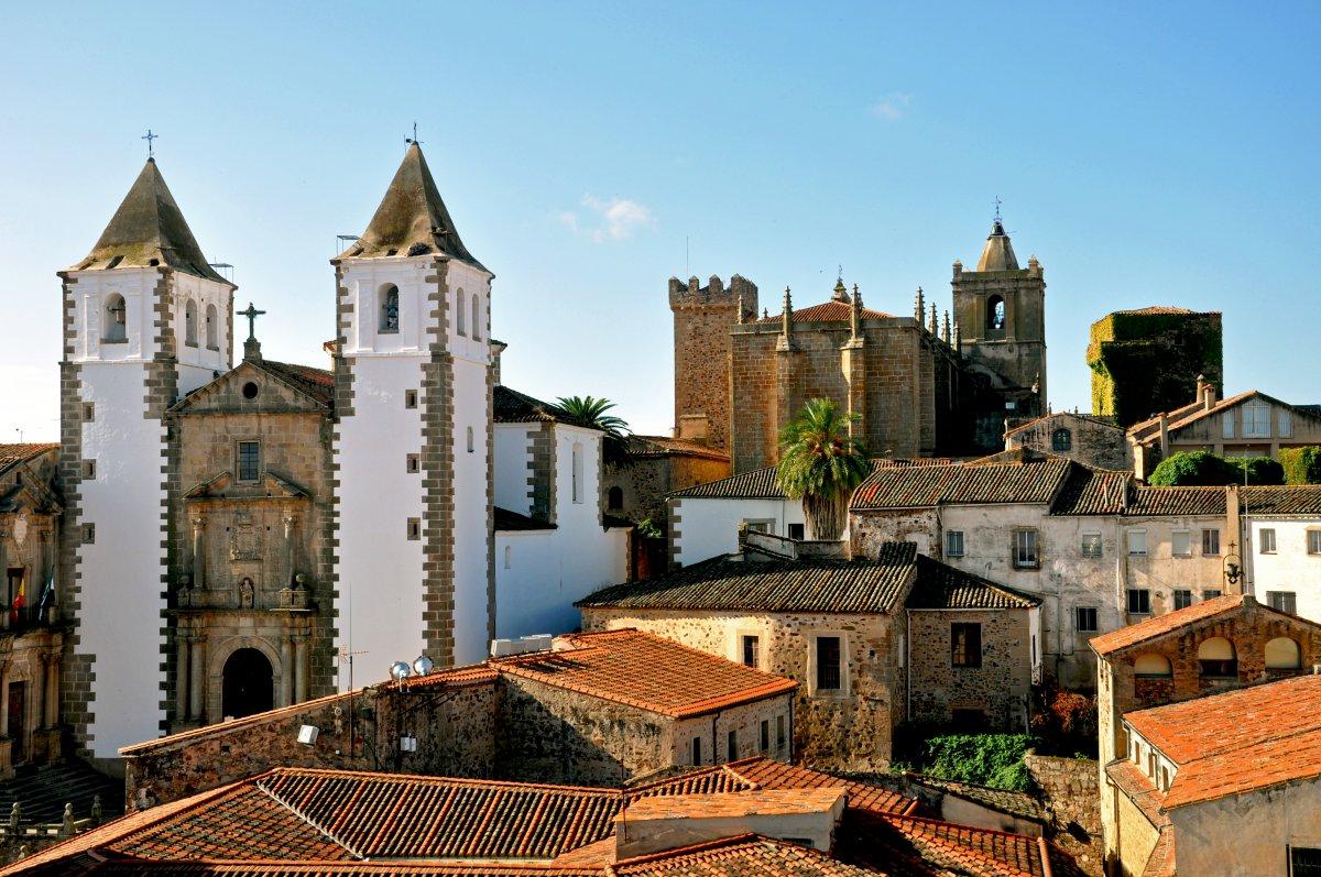 Cáceres ofrece una ruta en la que el viajero conocerá la relación de la ciudad con América