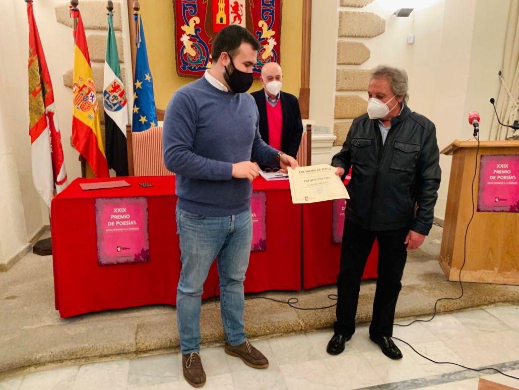 """Cáceres entrega los premios de Poesía """"Patrimonio de la Humanidad"""""""