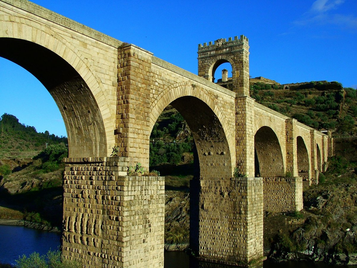 Alcántara tendrá un nuevo puente sobre el Tajo para salvaguardar el monumento romano