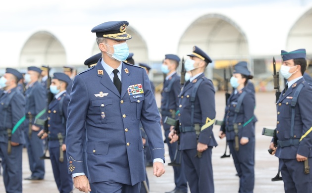 Felipe VI llega a Extremadura para entregar el Premio Carlos V a Angela Merkel