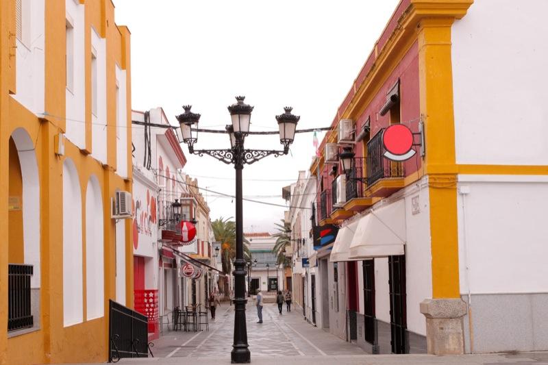 Muere una mujer de Santa Marta y Badajoz notifica 42 nuevos contagios
