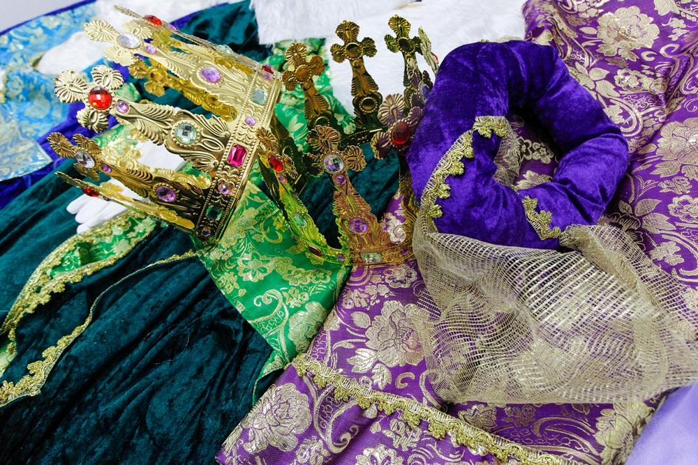 Los Reyes ya tienen los trajes con los que saludarán a los niños en Mérida