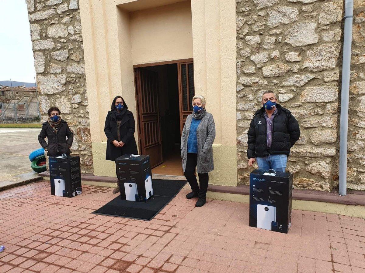 El Ayuntamiento de Acebo adquiere filtros HEPA para ventilar las aulas de los centros