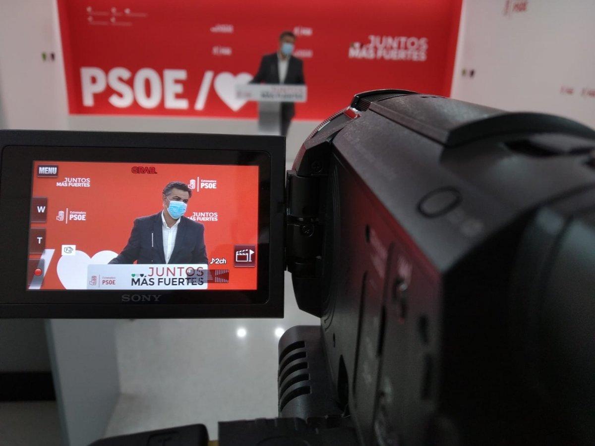 El PSOE asegura que las aulas son seguras y que los contagios de Covid se suceden fuera
