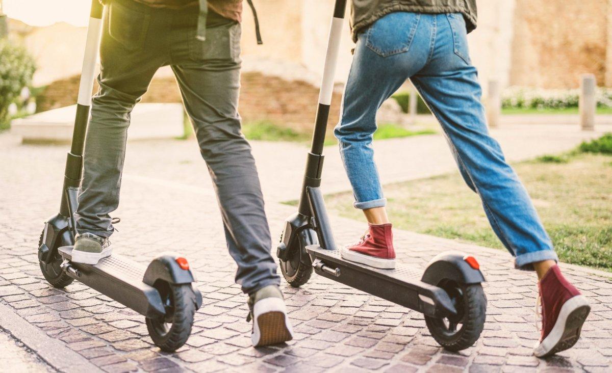 La Policía Local de Plasencia aplicará las nuevas medidas de la DGT a los patinetes eléctricos