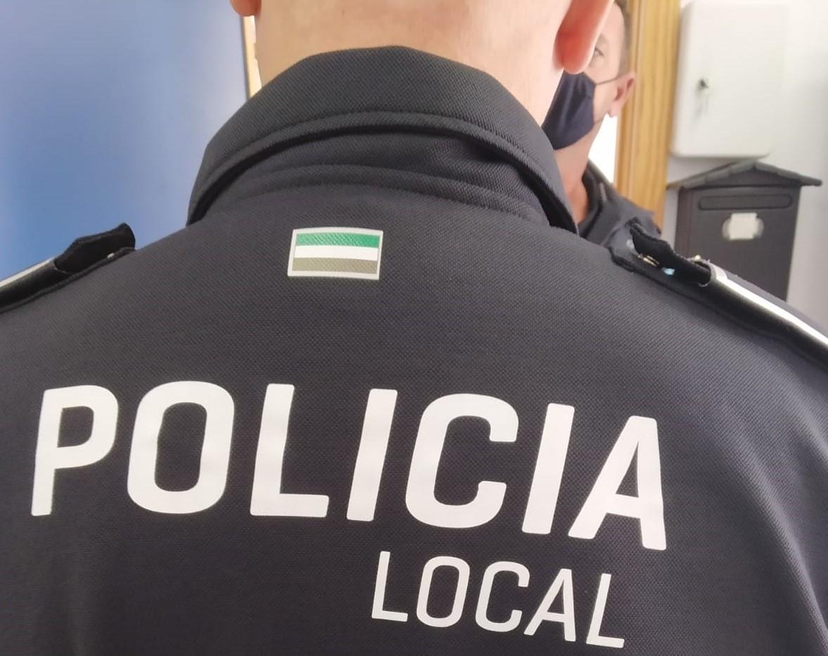 La Policía Local de Navalmoral comienza a vestir uniformes de materiales plásticos reciclados