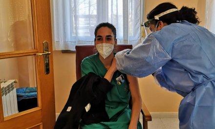 Arranca la vacunación frente al Covid en las 3 residencias de ancianos de Moraleja