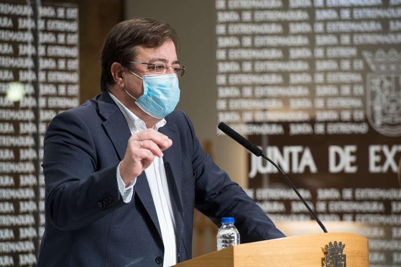 Fernández Vara se vacuna con AstraZeneca este viernes, pero lo hará de forma privada