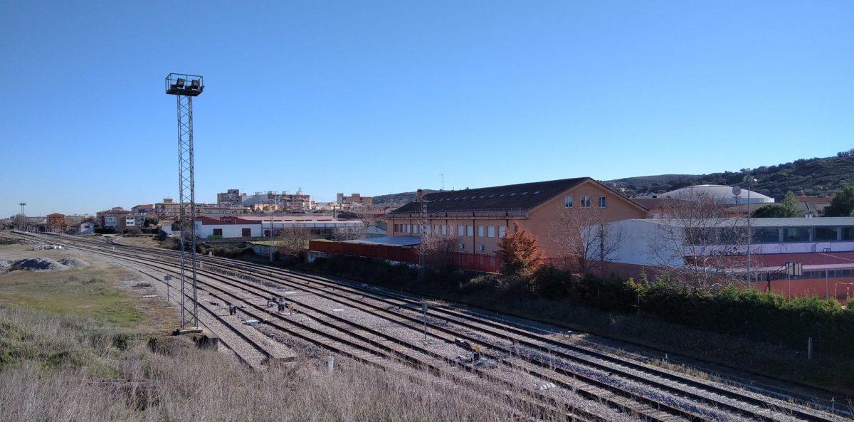 Diversas asociaciones y colectivos se reúnen públicamente para hablar de la 'Extremadura expoliada'