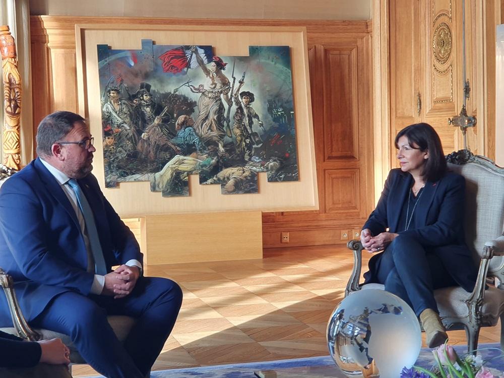 El alcalde de Mérida trabaja en París la recuperación del turismo francés tras la pandemia