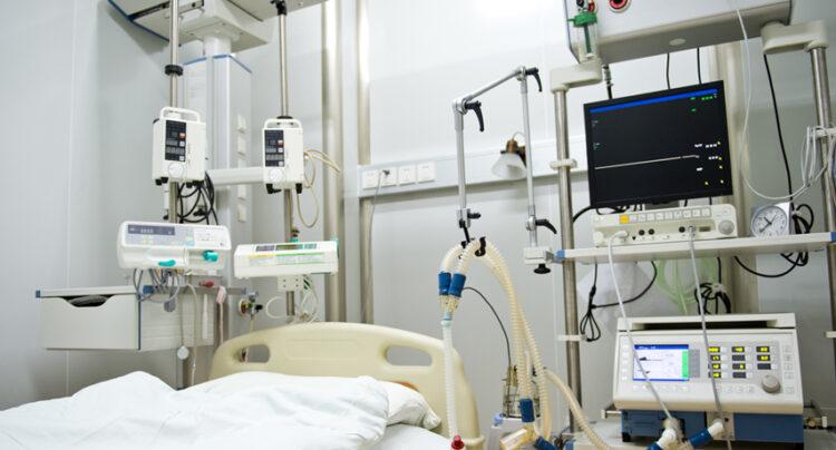 Aumenta la presión hospitalaria y el Virgen del Puerto sólo tiene 3 camas libres en la UCI