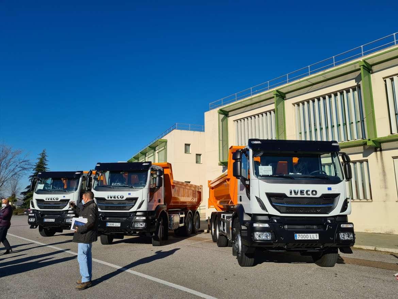 Desarrollo Rural entrega camiones para mejorar caminos rurales de la provincia de Badajoz