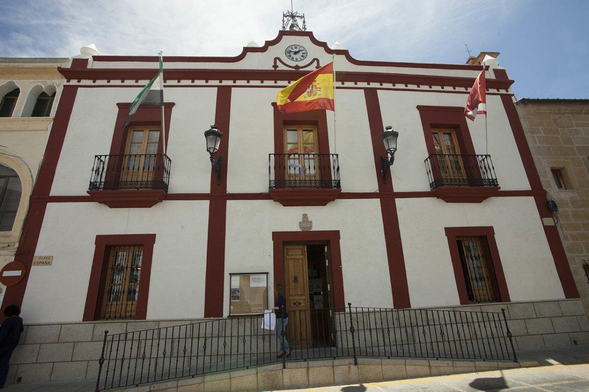 Cáceres estrena 2021 con un fallecido y 112 positivos más coronavirus