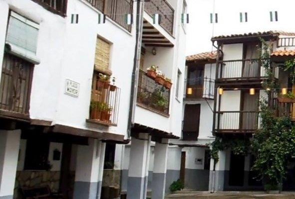 Sanidad confirma 3 brotes, uno en Casas del Castañar de origen social con 51 personas confinadas